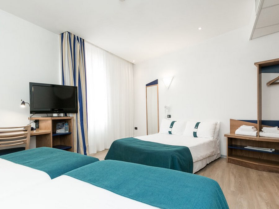 123familyhotels Child Friendly Handselected Accommodation In Italy Holiday Inn Express Roma San Giovanni